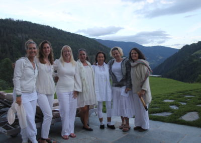 women luxury yoga retreat france
